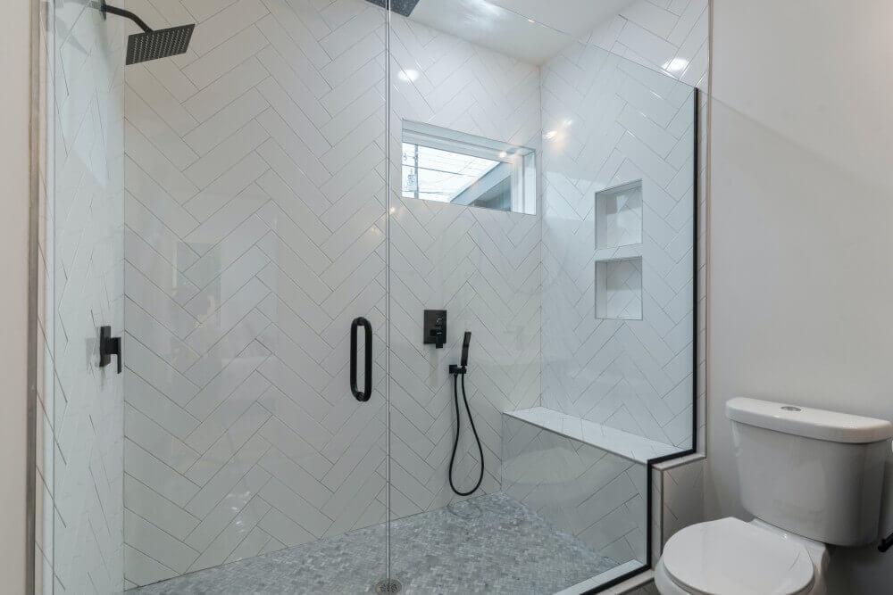 5 съвета да направите по-лесно почистването на Вашата баня